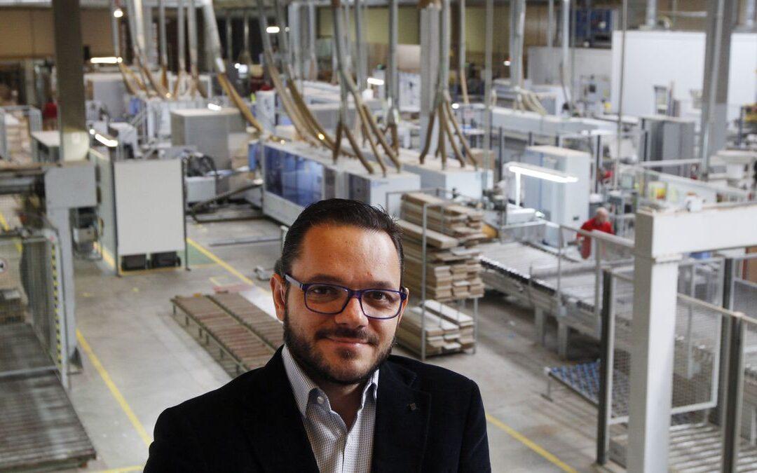 La participada de Invext, Royo Group, firma con Roca una alianza para crear el líder mundial del mueble de baño